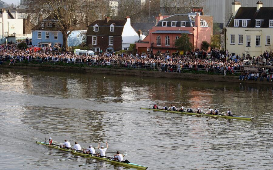 Rowing competition between Oxford and Cambridge, London